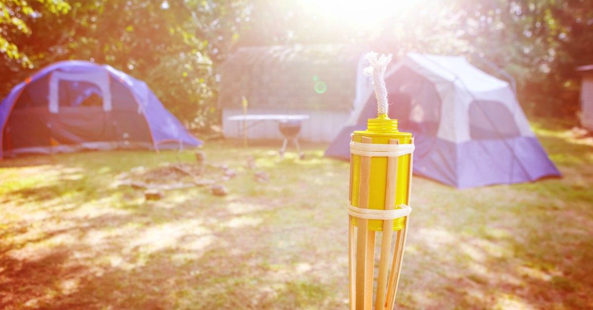 Citronellakaars-op-kampeerplaats