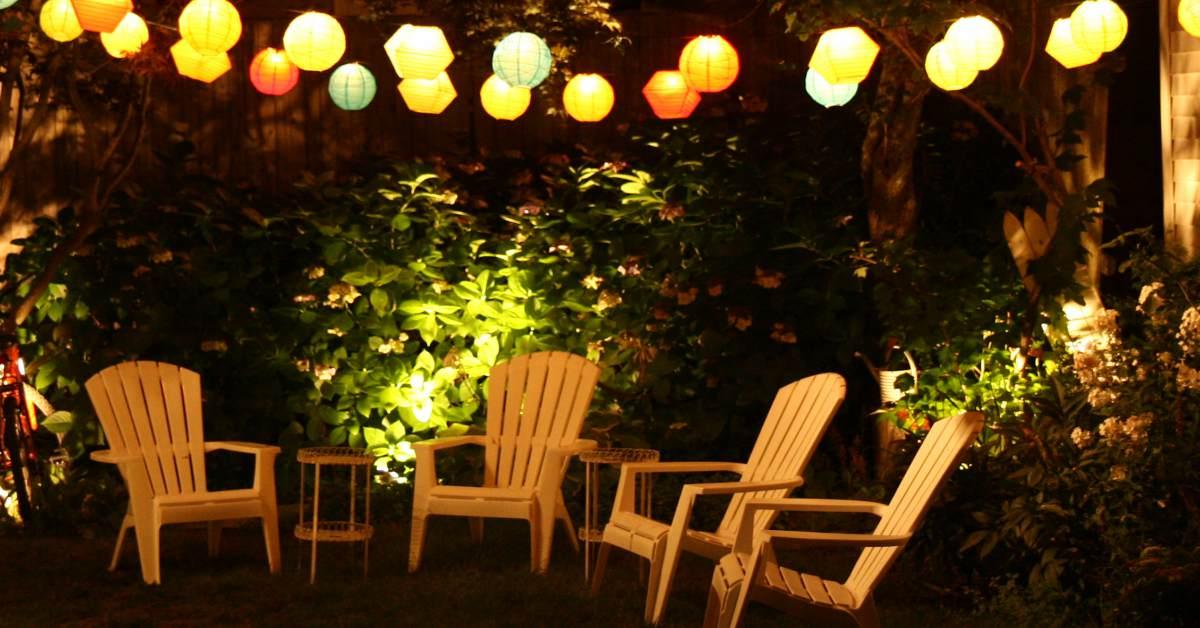 Lampionnen-boven-terras