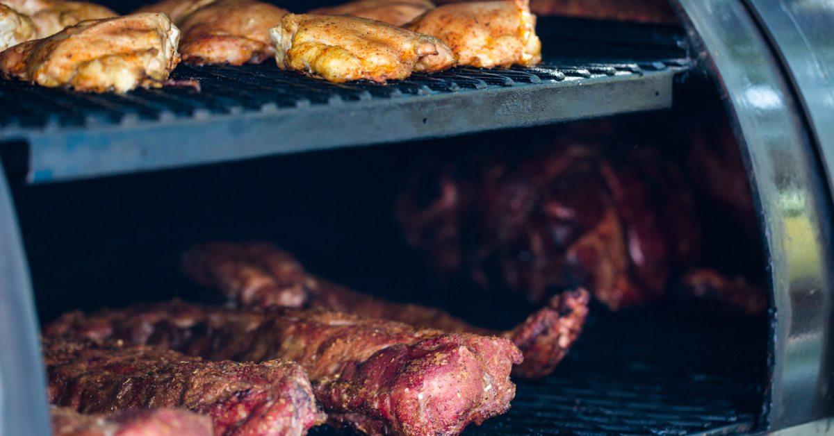 Roken-in-de-barbecue