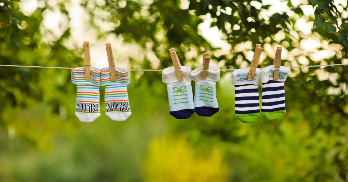 Schone-sokken-aan-waslijn