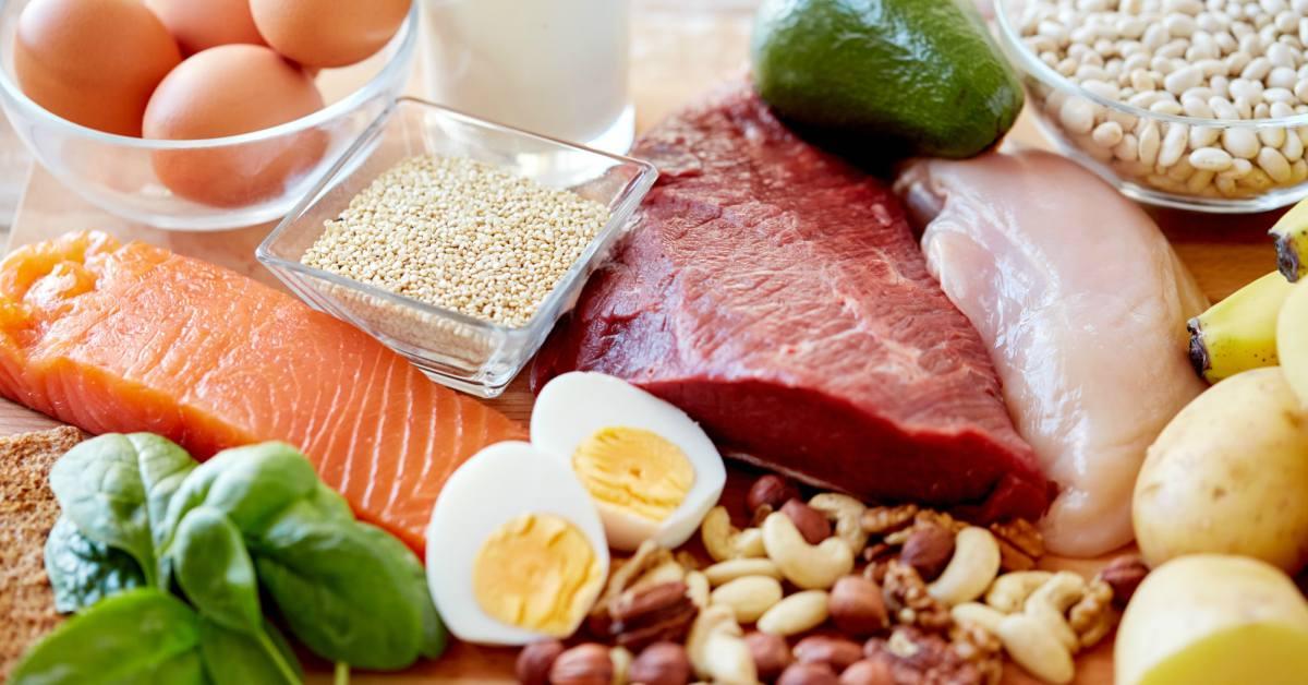 Verschillende-soorten-vlees-en-vis