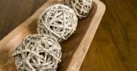 Decoratieve-ballen-van-takken