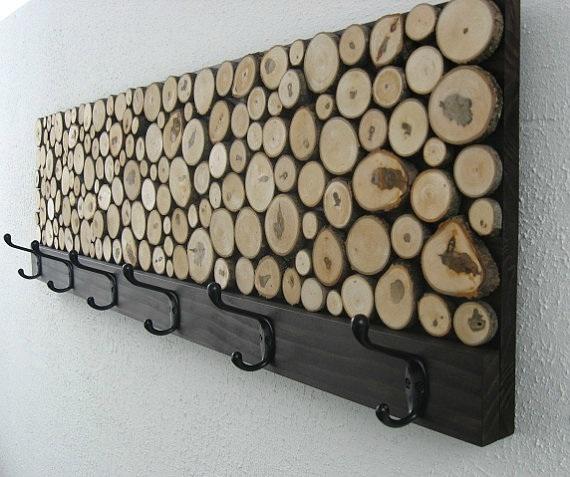Kapstok-met-houten-schijfjes