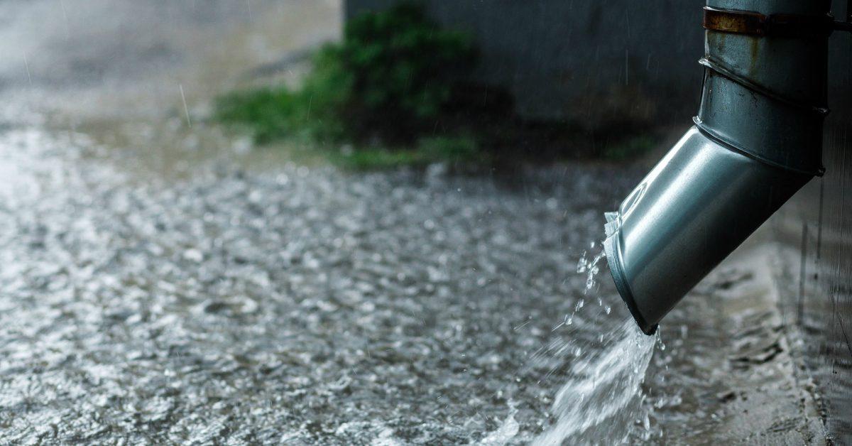 Regenpijp-afgekoppeld-van-riool