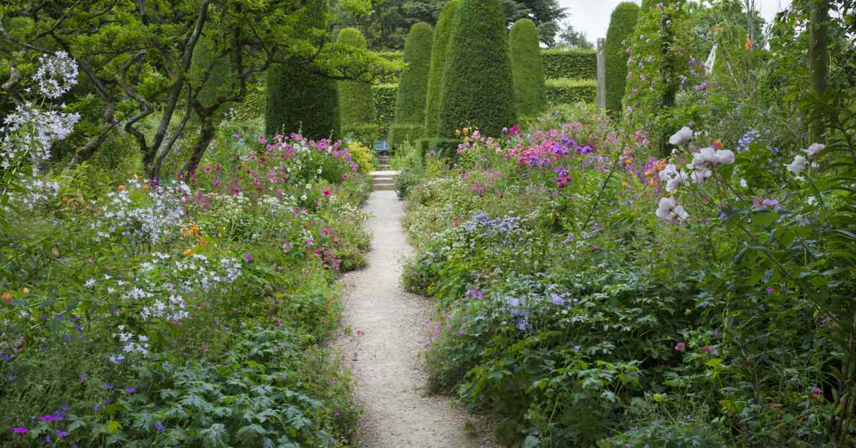 Onderhoudsvriendelijke Tuin Aanleggen : Een natuurlijke tuin aanleggen buitenlevengevoel