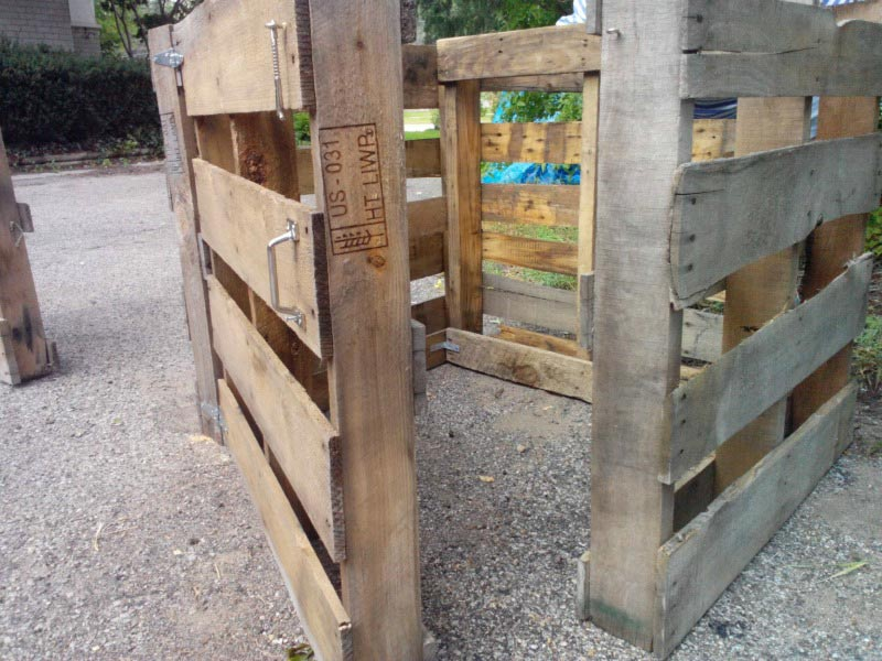 Compostbak van pallets
