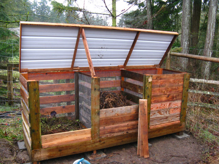Drie compostbakken