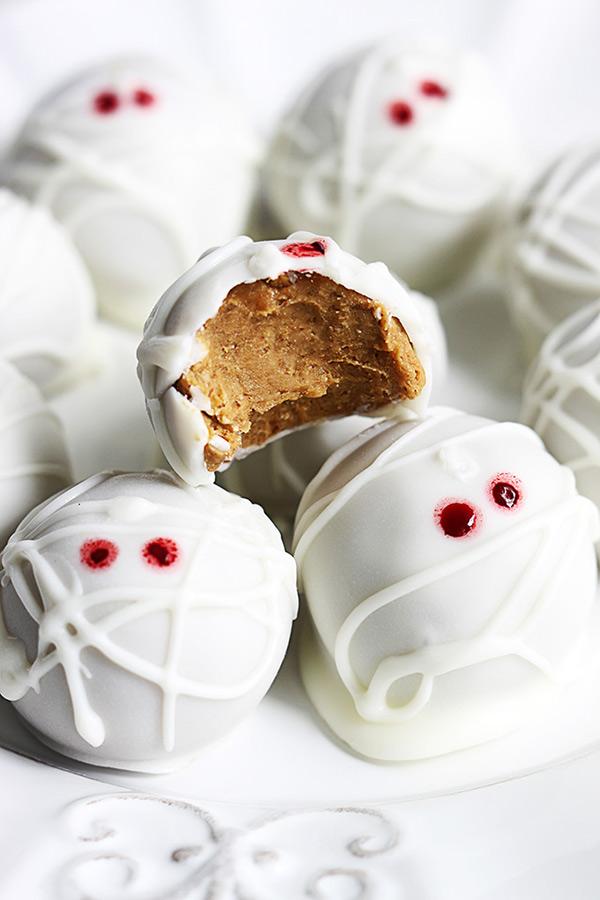 Mummie pompoen cheesecake truffels