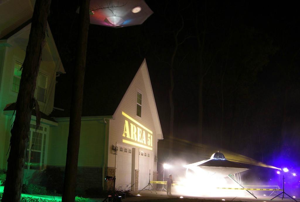 halloween huis ufo
