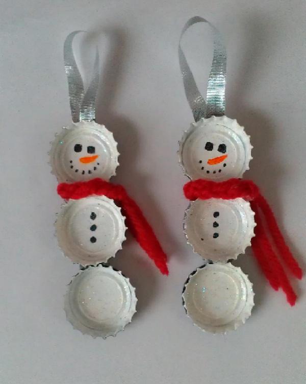 Sneeuwpop-van-bierdopjes