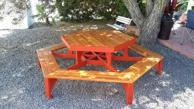 zeshoekige-picknicktafel