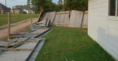 houten schutting stormschade