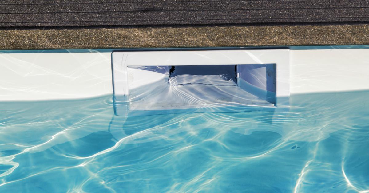 Skimmer-in-zwembadwand