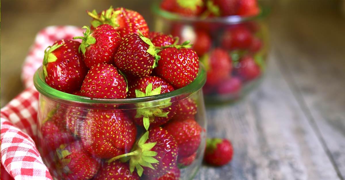 Aardbeien-in-een-glazen-pot