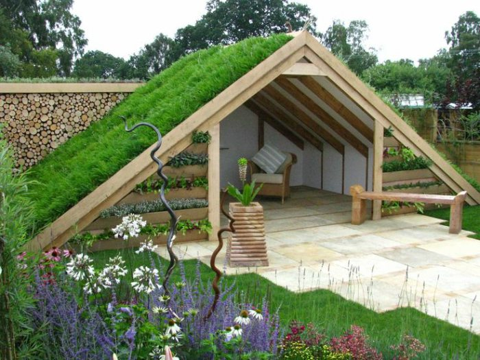Buitenkamer met een groen dak