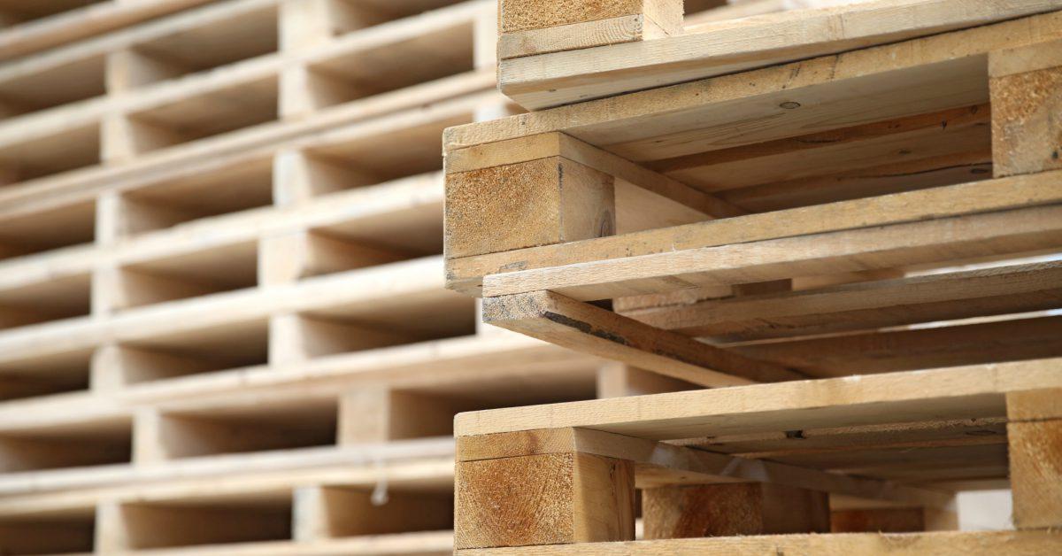 Tuinbank van pallets maken 3 ontwerpen die jij eenvoudig for Pallet tafel zelf maken