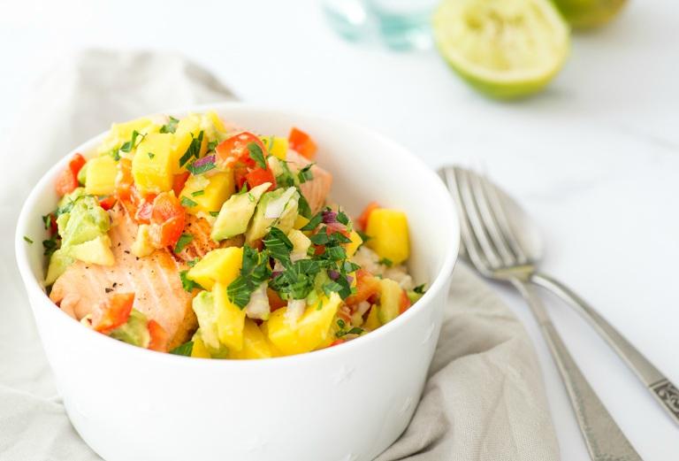 Rijst met zalm en avocado-mangosalsa ohmyfoodness