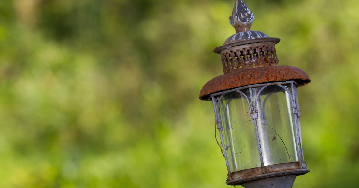 Roestige-lamp