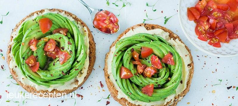 Beschuit-met-avocado