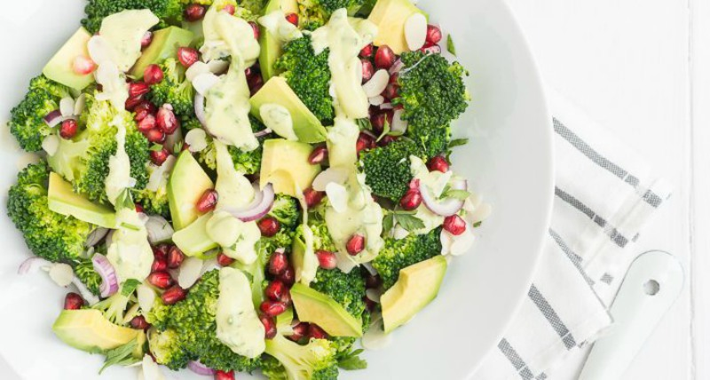 Broccolisalade-met-avocado