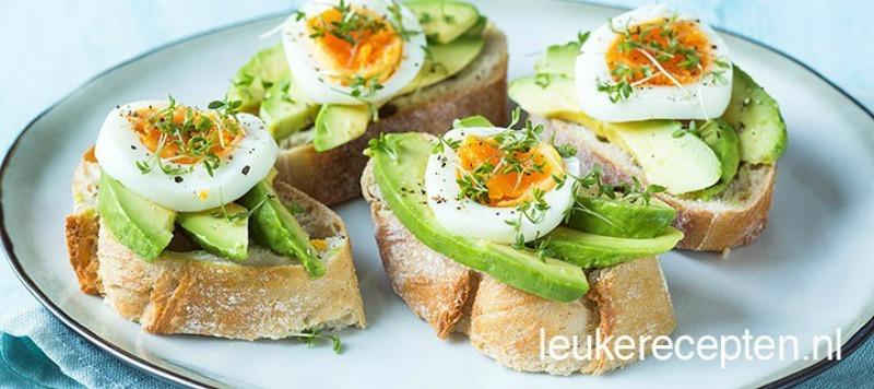 Broodje-avocado-ei
