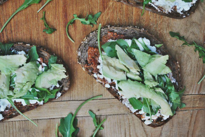 Broodje-avocado-huttenkase