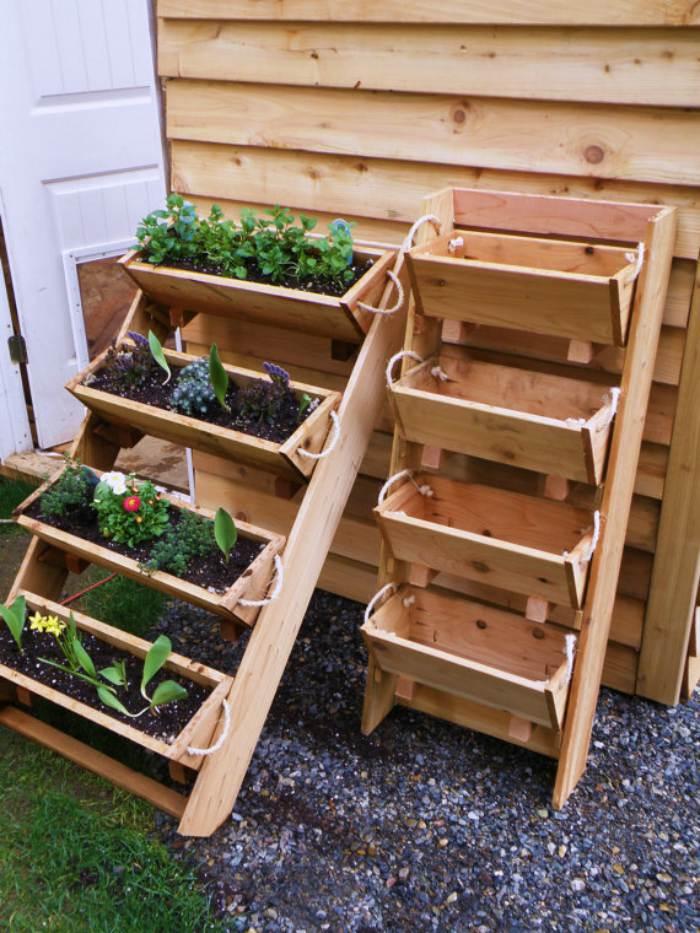 Trap-met-plantenbakken