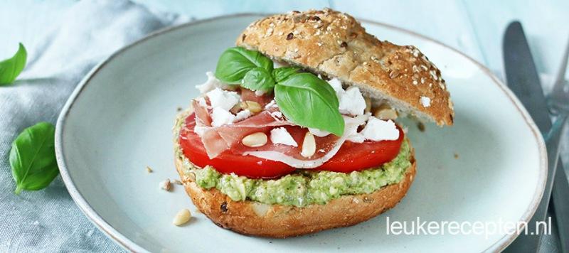 Broodje-met-ham-en-avocado