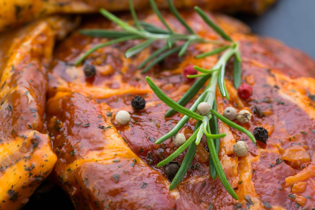 Gemarineerd-vlees