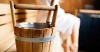 Personen in eigen sauna