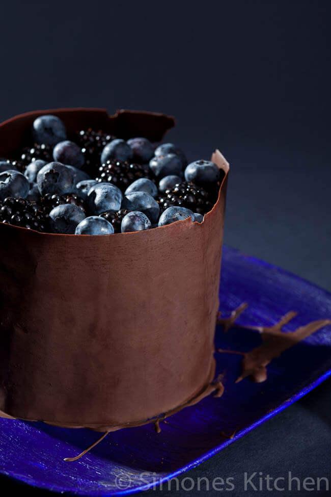 Chocoladetaart met bramen