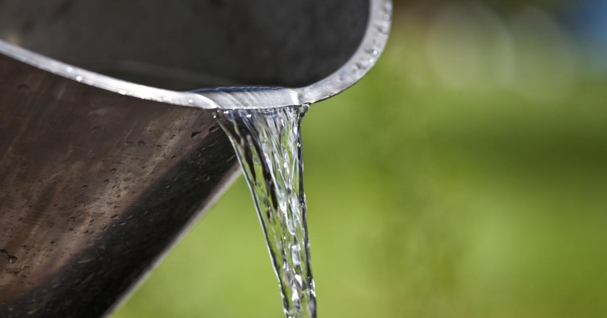 Emmer met water