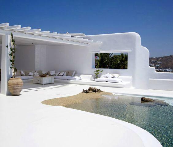 Villa met zwembad strand