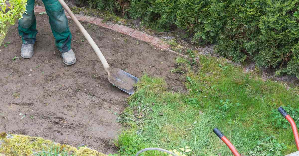 Oude graszoden verwijderen