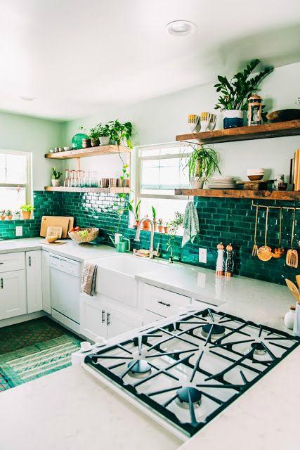 Groene rechthoekige tegels keuken