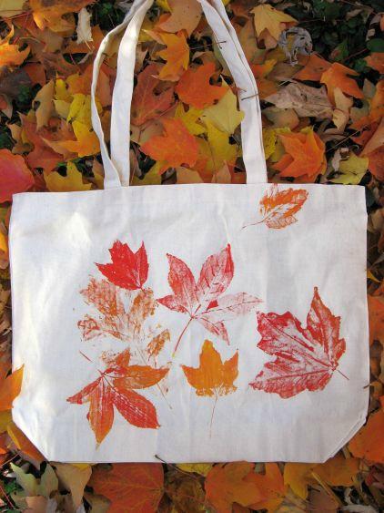 Herfstbladeren op tas