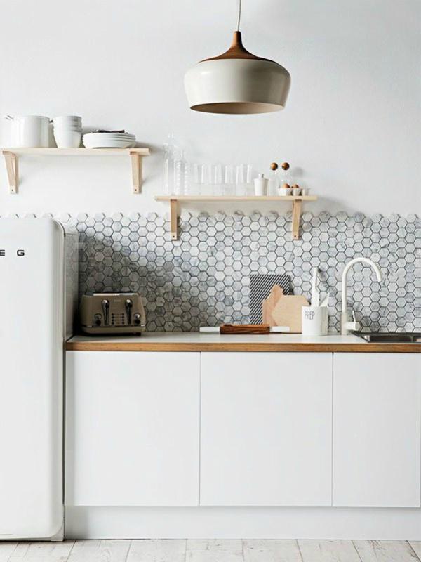 Kleine zeshoeken tegels keuken