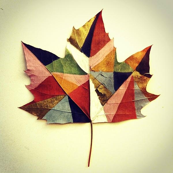 Kunst op herfstblad