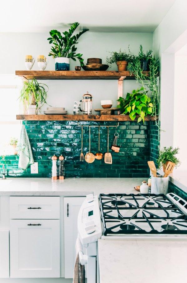Planten hout en groen keuken
