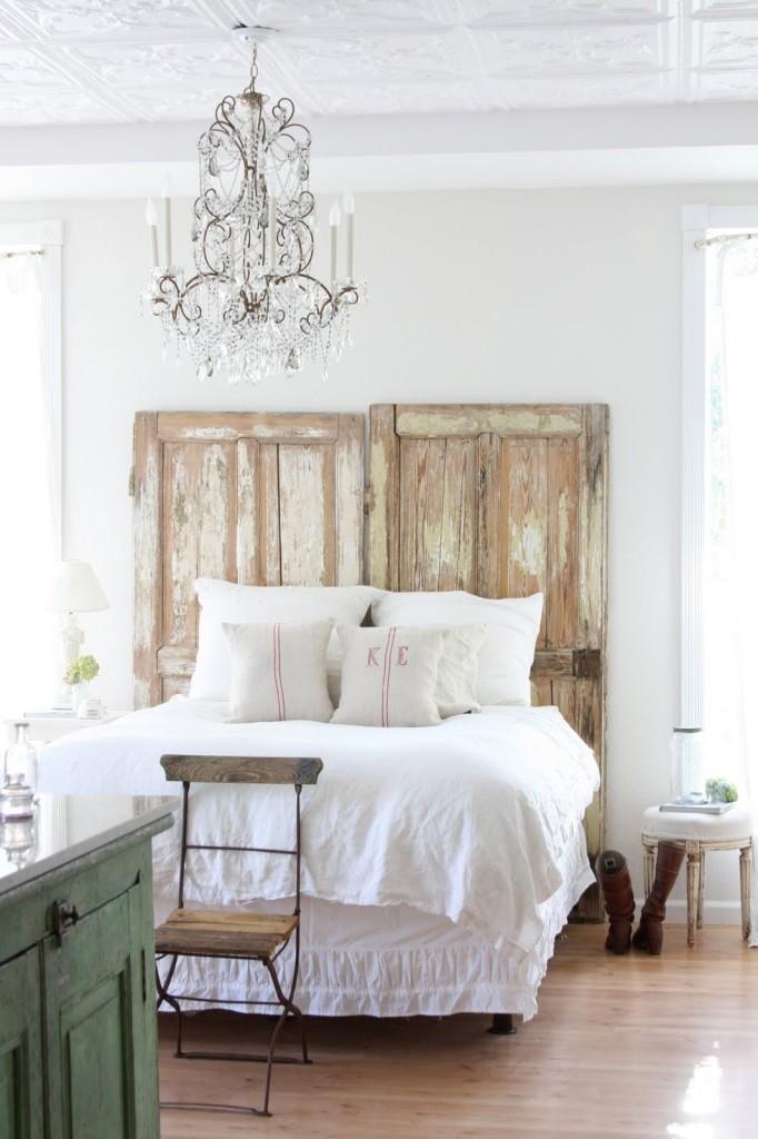 Slaapkamer met landelijke kenmerken