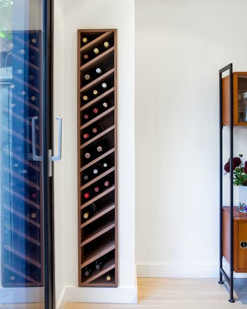 Wijnrek ingebouwd in muur