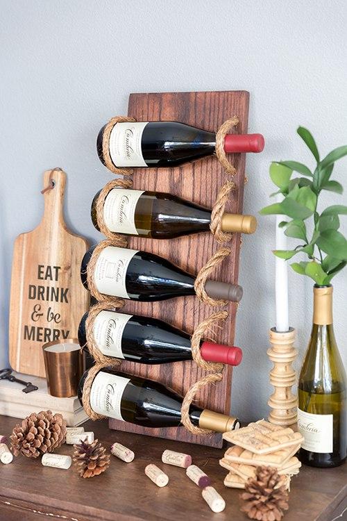 Wijnrek met hout en touw