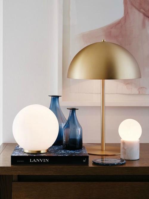 ronde gouden lamp