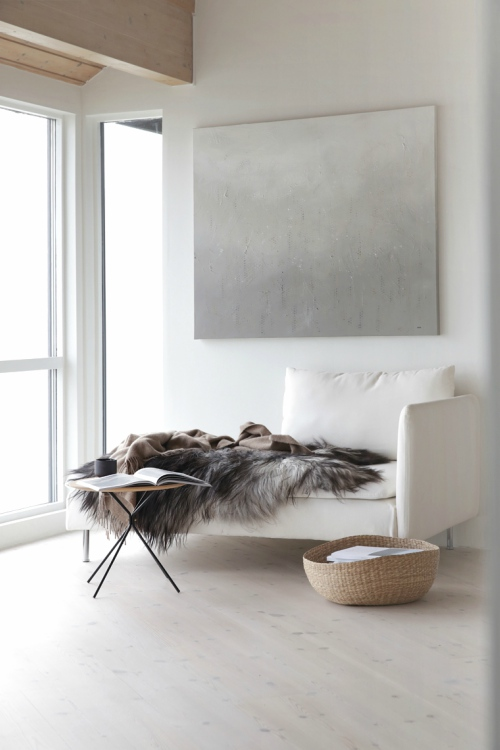 Meubels in minimalistisch interieur