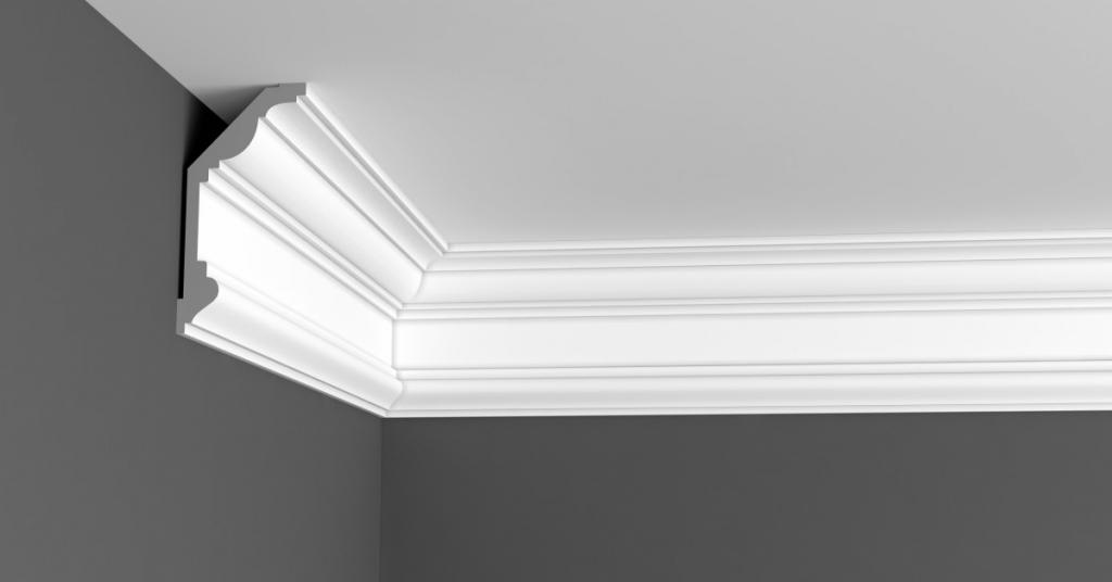 Plafondlijst aanbrengen