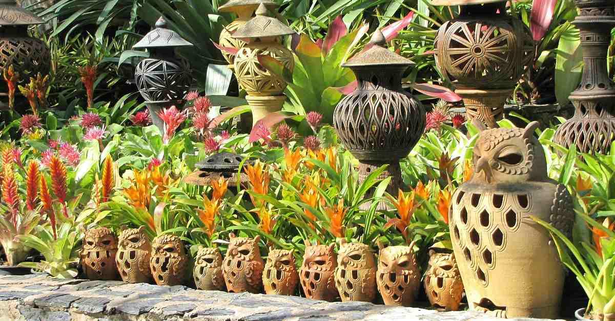 Beelden in tuin