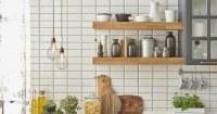 Keuken met betegelde wanden